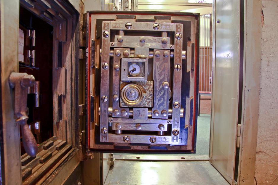 Safe Door Locks Amp Bio Matic Fingerprint Gold Left Handle
