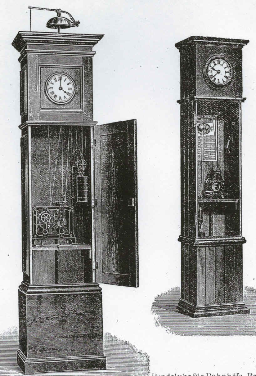 German mini tower clock in tallcase (16).jpg (964871 bytes)